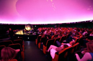 Blick in den Sternensaal des Planetarium Hamburg Foto ©: Tim Florian Horn